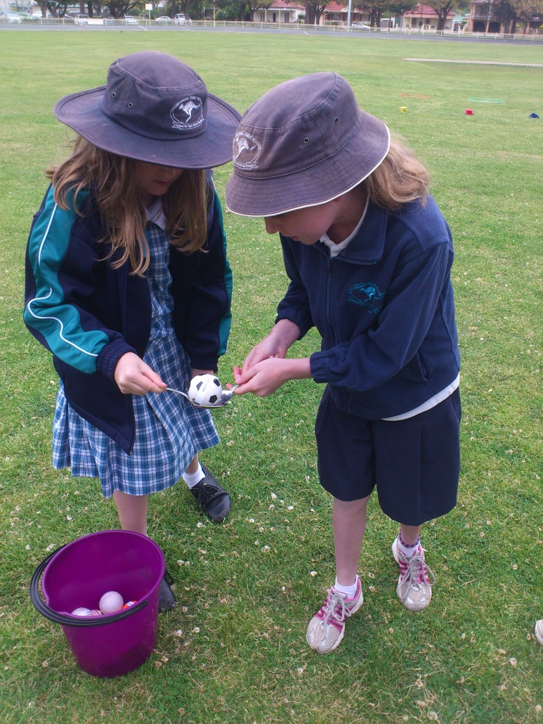 Jerrabomberra Public and the composting game - apple core and spoon race! Enviro Expo-2016