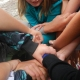 Peer support game - human knot