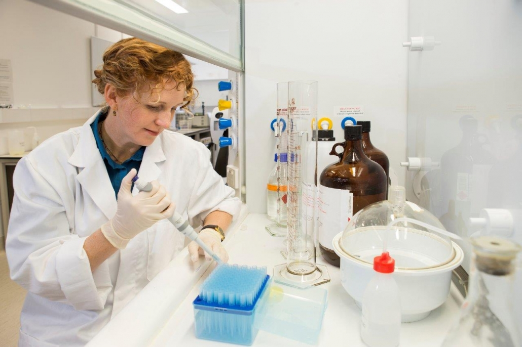 Dr Ceridwen Fraser in the lab